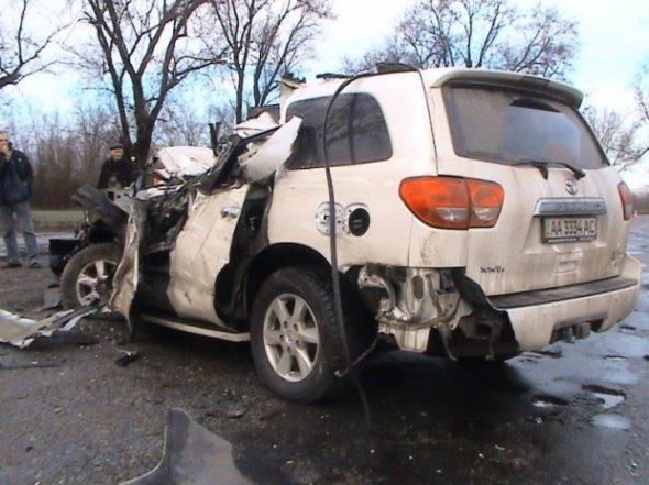 Автомобіль співака розтрощило від удару об вантажівку