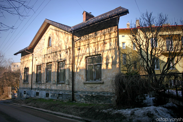вул. Некрасова, 73