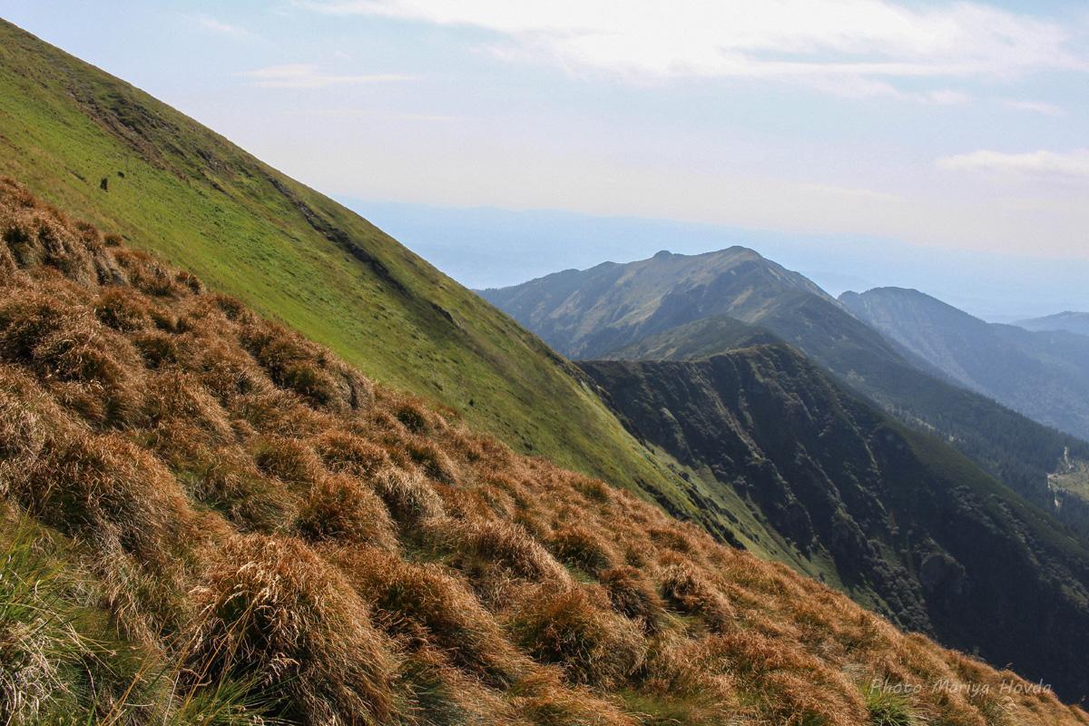 Похід на Мармароси в травні - Гуцульські Альпи в Карпатах - фото