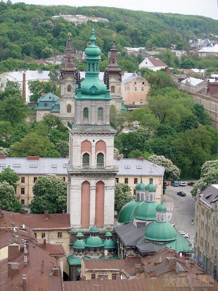Ансамбль православної Успенської церкви