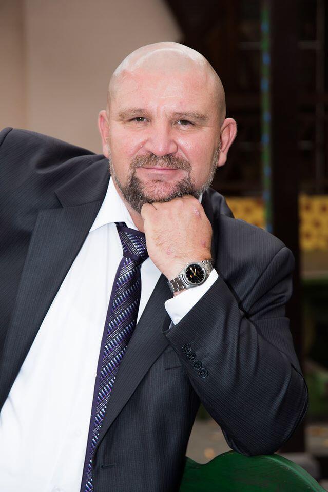 Олег Гайда завідував відділенням хірургії в Черкаському консультаційно-діагностичному центрі.