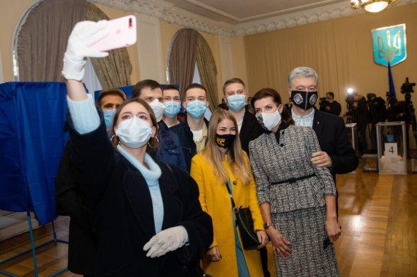 Ми прийшли, щоб виконати свій громадянський обов'язок - Марина Порошенко. Фото: eurosolidarity.org