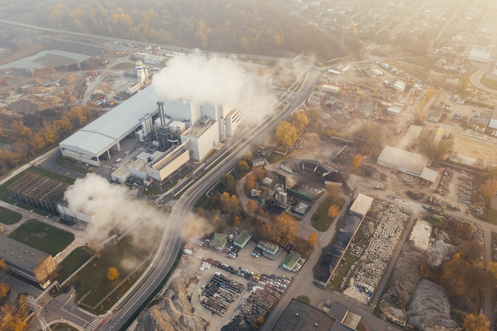 У зимовий час смог застилає Вроцлав, Краків, Варшаву та інші великі міста Польщі