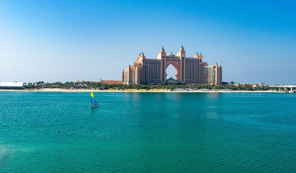 Пляжний відпочинок в ОАЕ.
