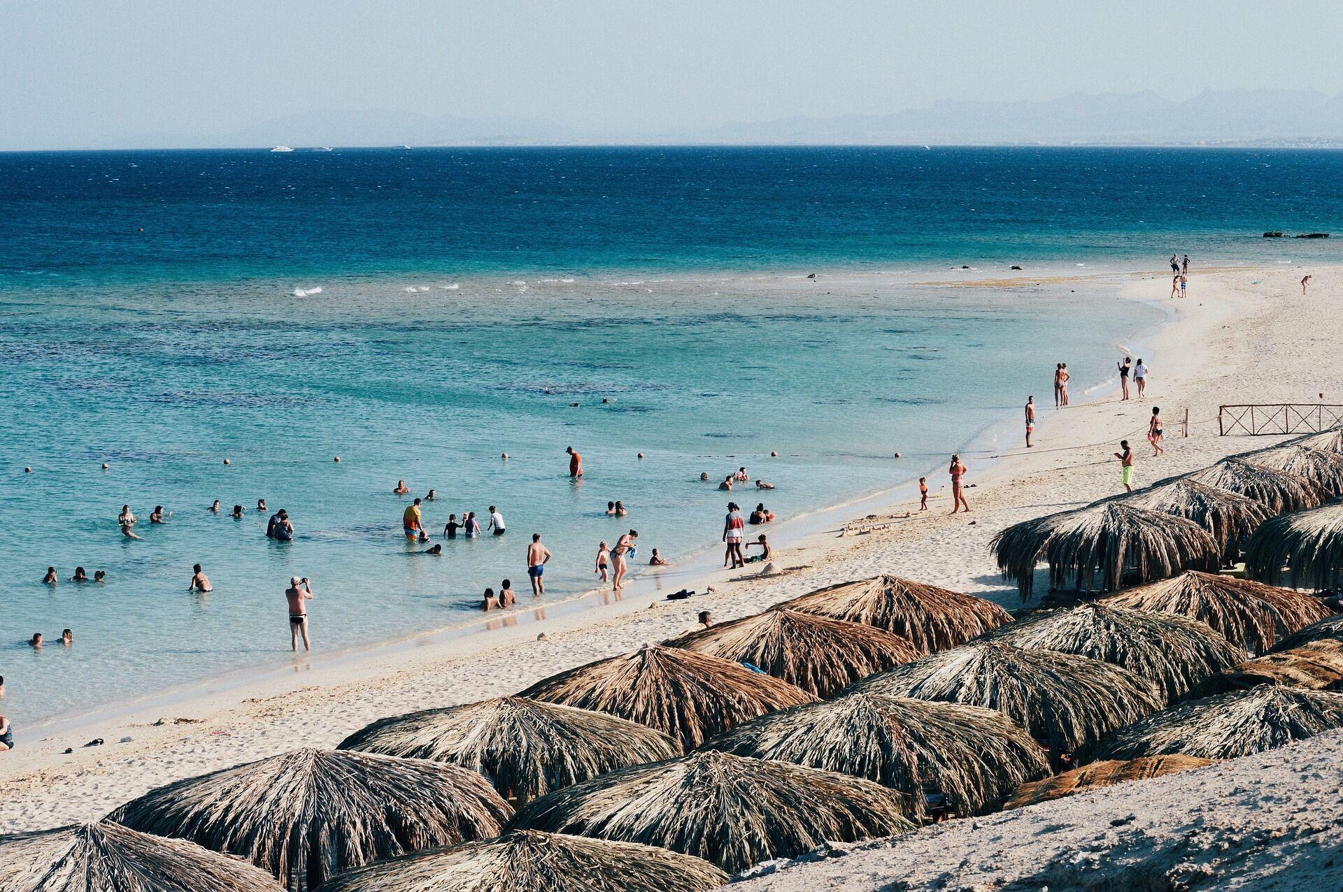 Пляжний відпочинок в Єгипті.
