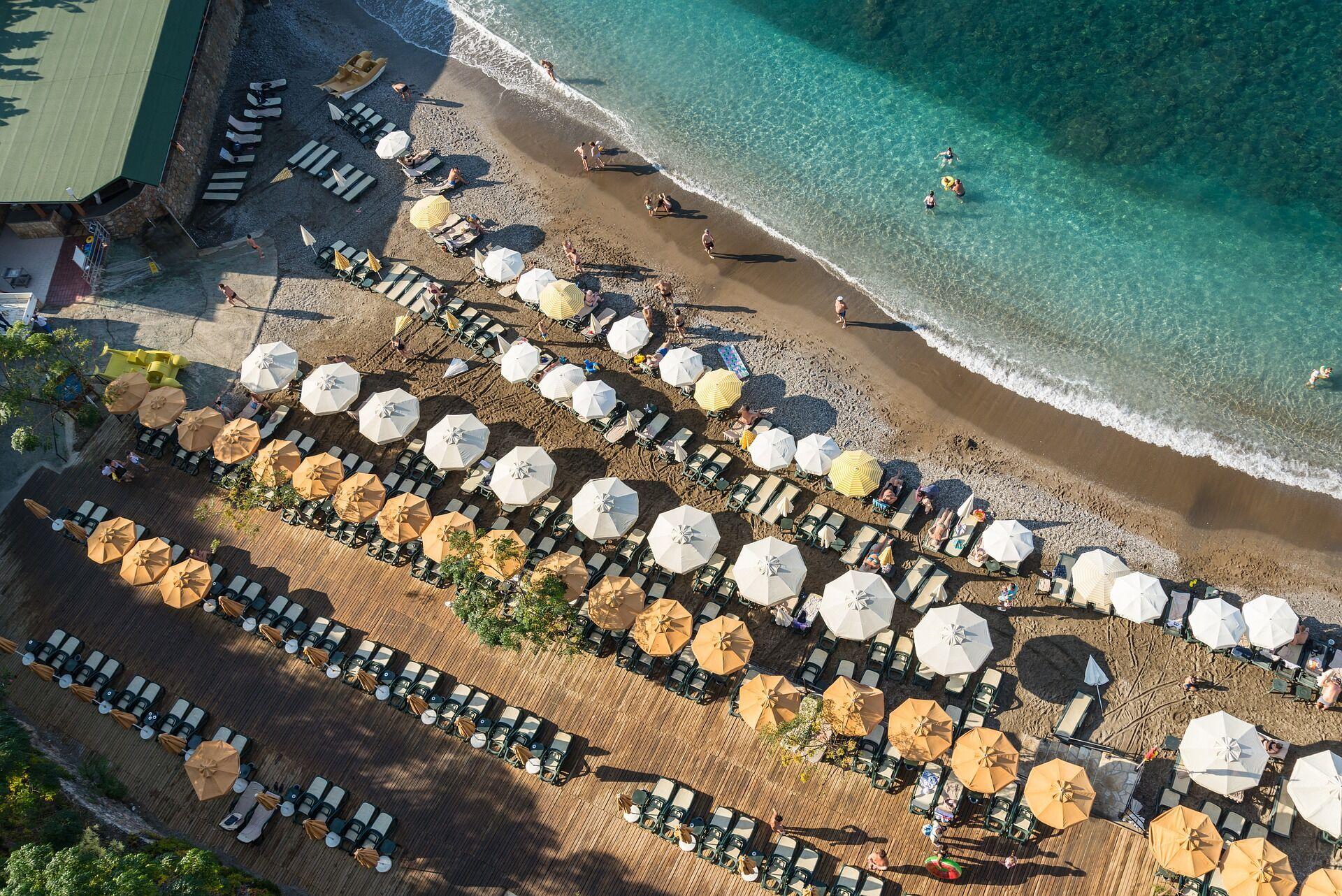 Пляжний відпочинок в Туреччині.