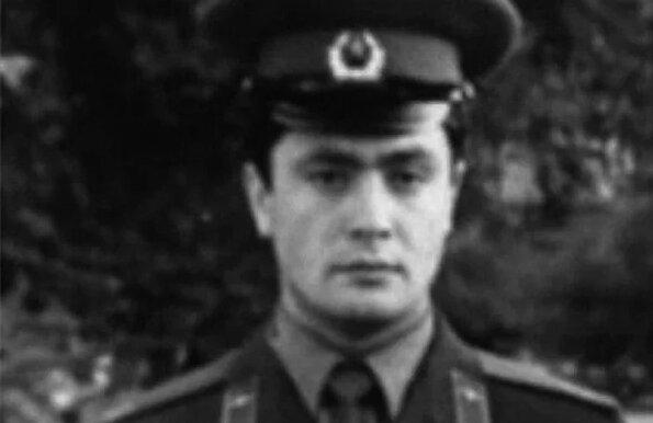 Петро Порошенко в армії.